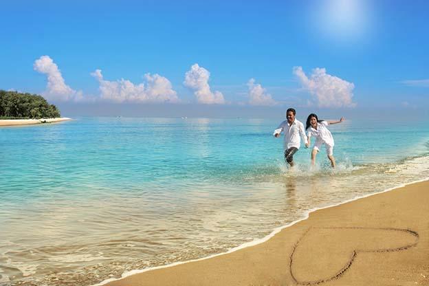 1 week zwanger, verliefd op het strand