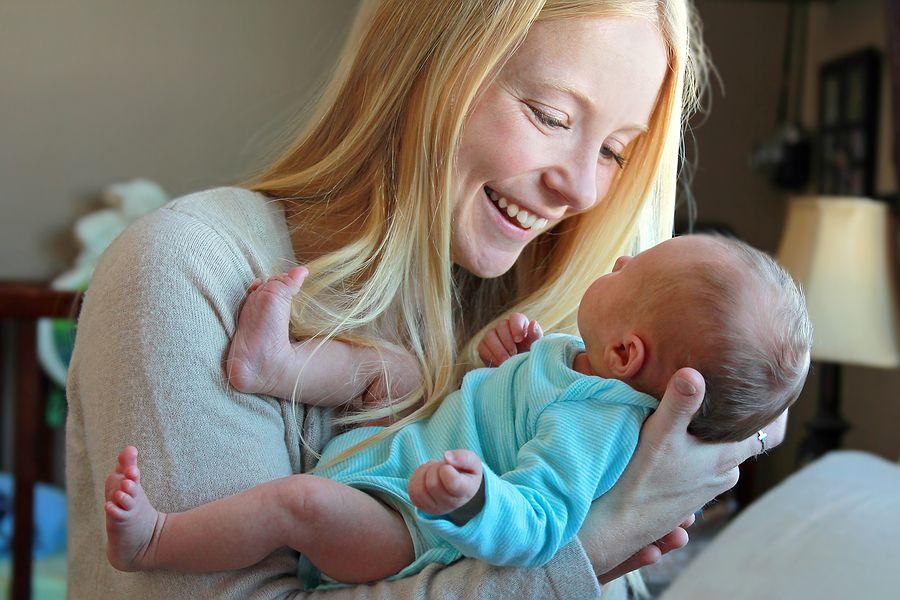 Baby van 0 weken oud met moeder