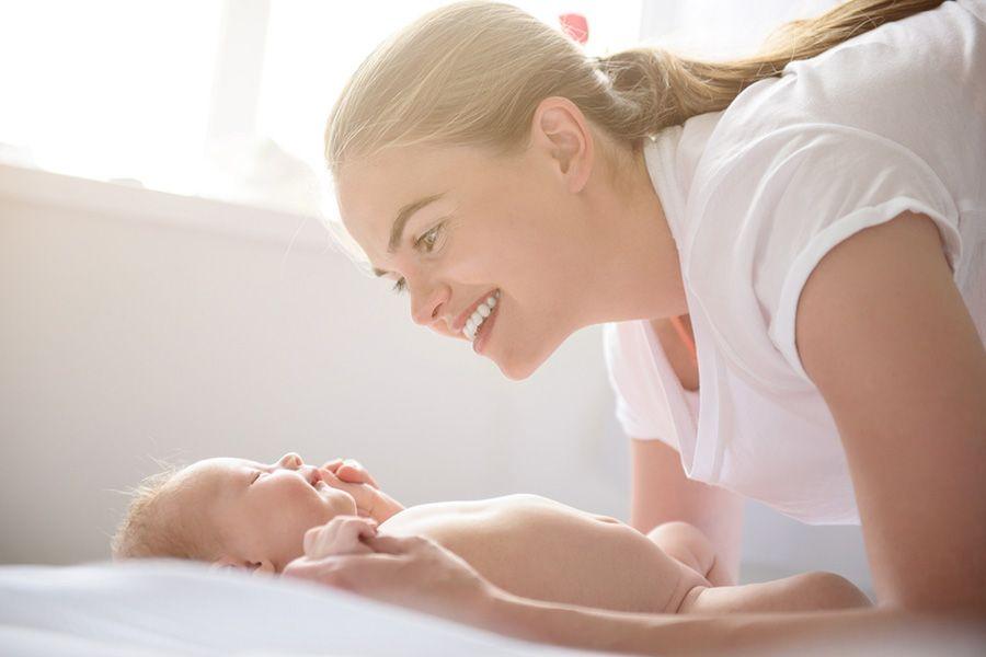baby-van-2-weken-oud-kan-vooral-contrasten-zien