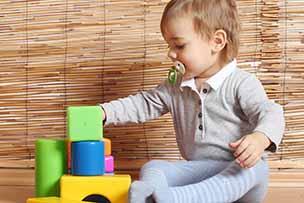 Fijne motoriek van baby van 9 maanden wordt steeds beter
