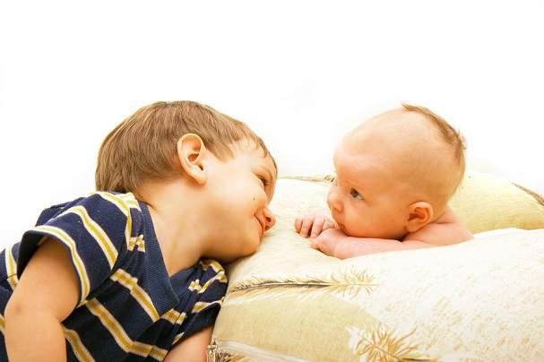 Baby met broer