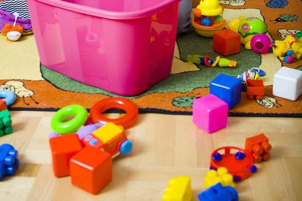 Oppassen op 2 kleinkinderen zorgt voor chaos
