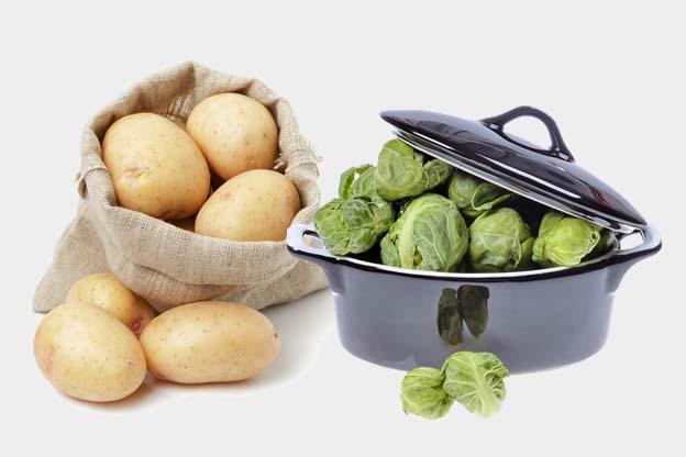 Spruitenstamppot met appel, kaas en worst