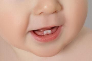 Eerste tandjes baby