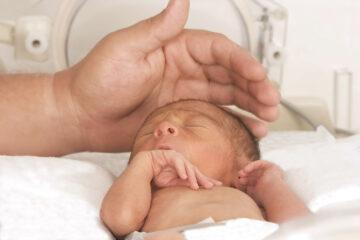 Een prematuur geboren baby
