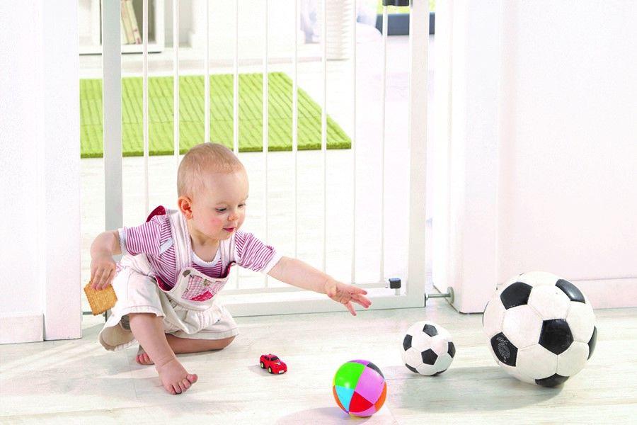 Plaats een traphekje boven- én onderaan de trap: kindjes spelen overal