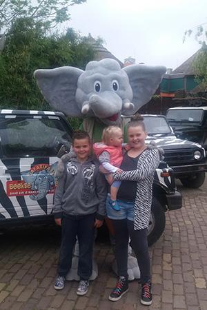 Drie kinderen in safaripark beekse bergen