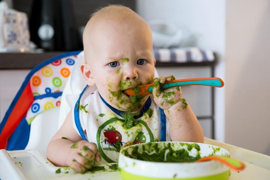 vast voedsel baby 6 maanden