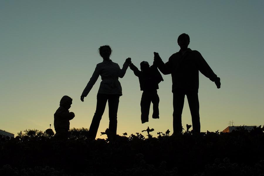 Silhouette van een gezin