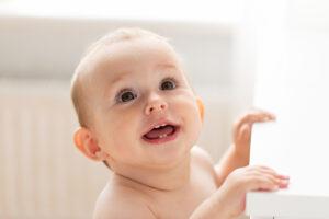 Baby reageert op eigen naam