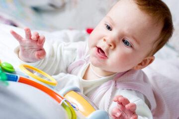 Baby leert afstanden waarnemen