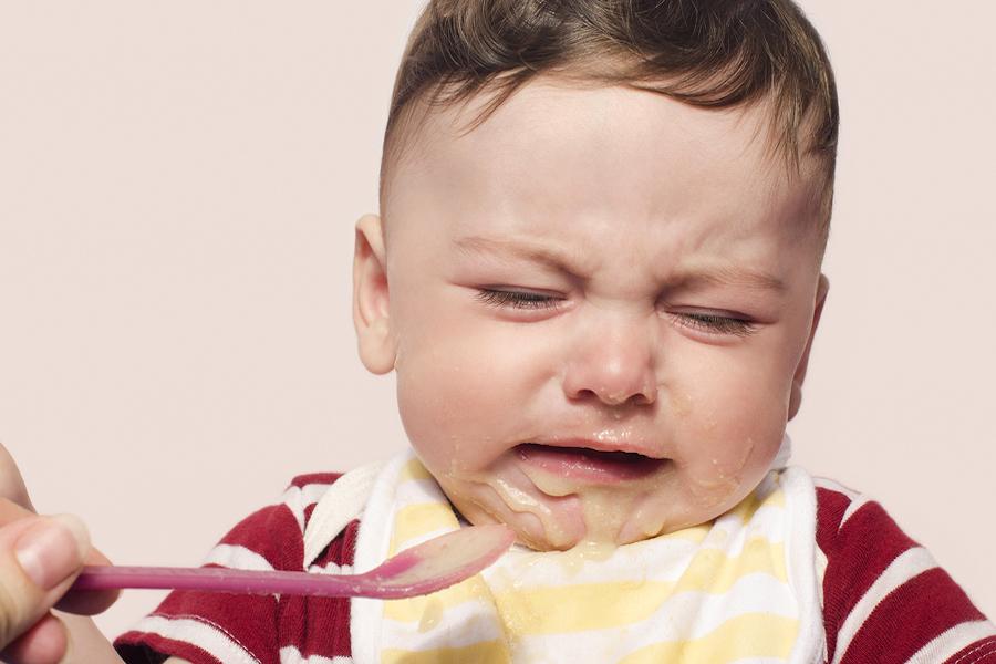 Baby wil geen vast voedsel eten