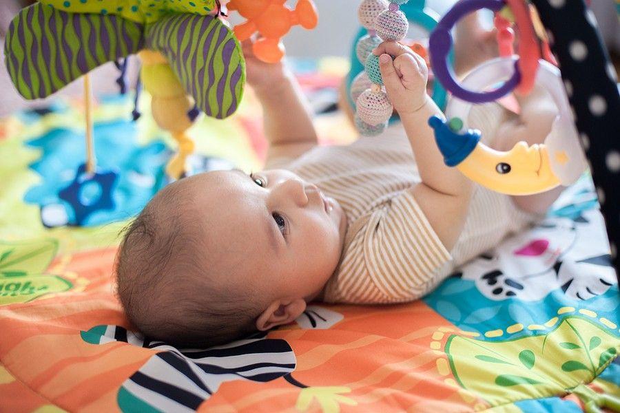 speelgoed slechtziende baby