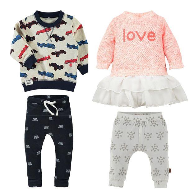 Baby-1-maand-oud,-babykleertjes