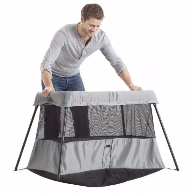 Baby_8_maanden_oud_campingbedje