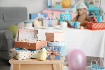 Een kraamcadeau voor een pasgeboren baby