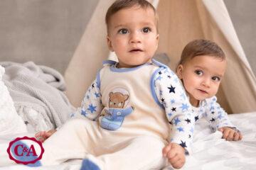 baby's in babykleding van C&A