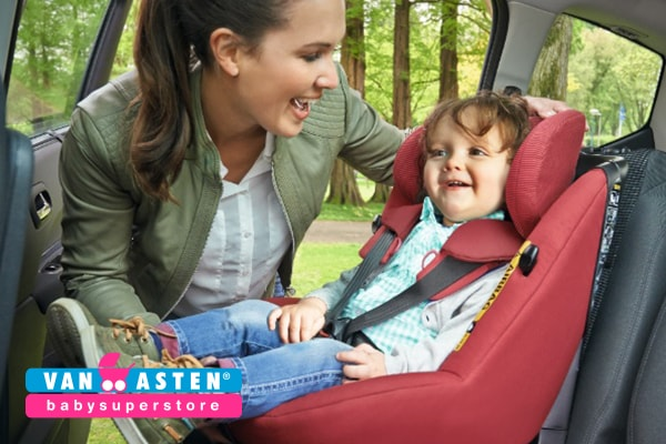 Baby 13 maanden oud autostoeltje