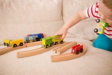houten trein als speelgoed baby 1 jaa
