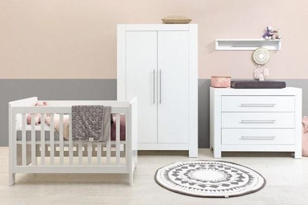 Witte Babykamer Inrichten : Goedkope babykamers je babykamer inrichten met steigerhout