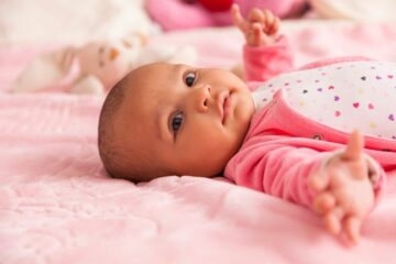 eerste reflexen baby