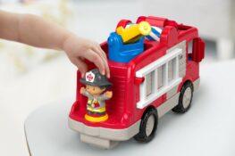 spelenderwijs leren met speelgoed van Fisher-Price