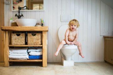 Ouders maken foto's op toilet