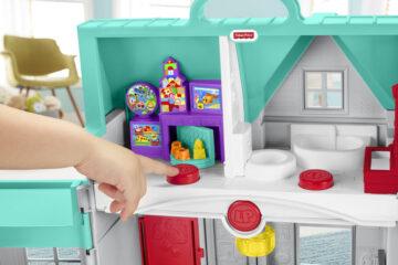 Peuterspelletjes spelen met Little People huis van Fisher-Price