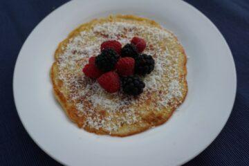 Gezond ontbijtje: pannekoekje met banaan en ei