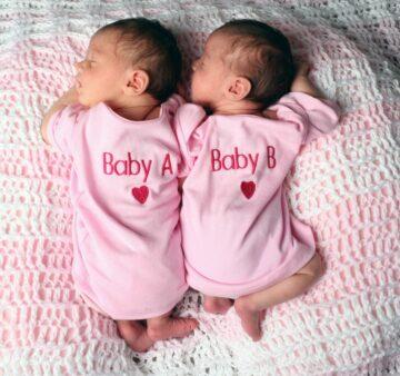 Meisjesnamen 2019: tweelingmeisjes