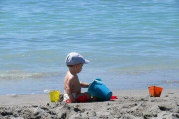 dreumes op het strand