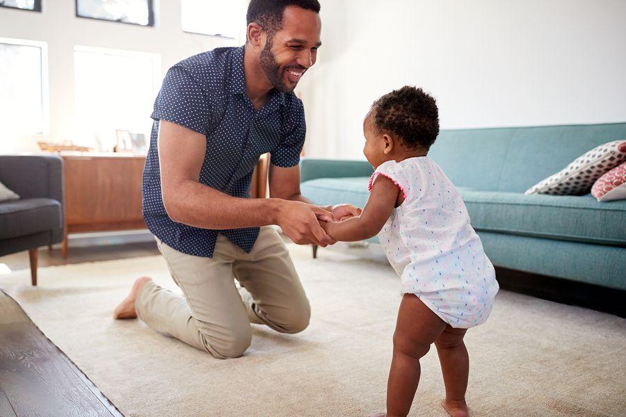 vader met kindje wil begeleid beleggen