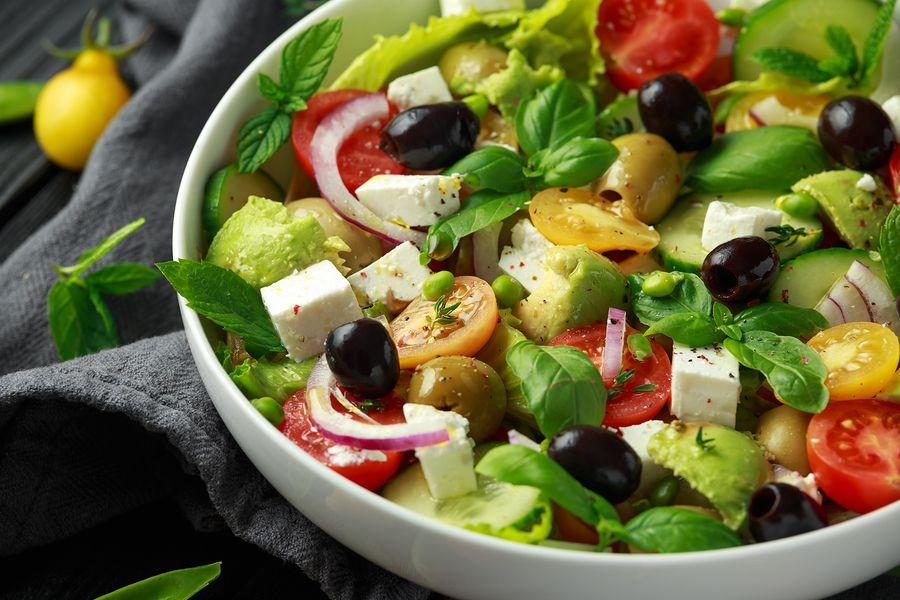 Kan je deze Griekse salade eten met feta als je zwanger bent