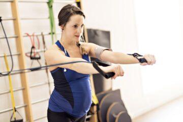 vrouw sport tijdens zwangerschapt